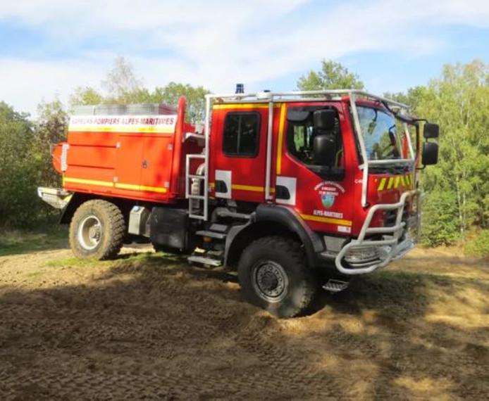 De Camion-Citerne Feux de Forêts waarmee de Brandweer Twente natuurbranden te lijf gaat.