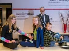 Rhenen heeft nu echt een kinderburgemeester: de 11-jarige Mila