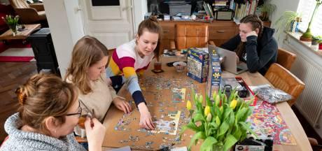 Puzzelen, skeeleren en bakken: zo gaan we de coronaverveling te lijf