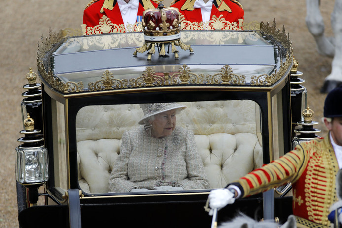 Britain's Queen Elizabeth II arrives in a horse-drawn carriage at Horseguards parade ahead of her Birthday Parade, 'Trooping the Colour', in London on June 8, 2019. - The ceremony of Trooping the Colour is believed to have first been performed during the reign of King Charles II. Since 1748, the Trooping of the Colour has marked the official birthday of the British Sovereign. Over 1400 parading soldiers, almost 300 horses and 400 musicians take part in the event. (Photo by Tolga AKMEN / AFP)