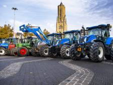 Boerenprotest Groningen loopt uit de hand: ME staat klaar om in te grijpen