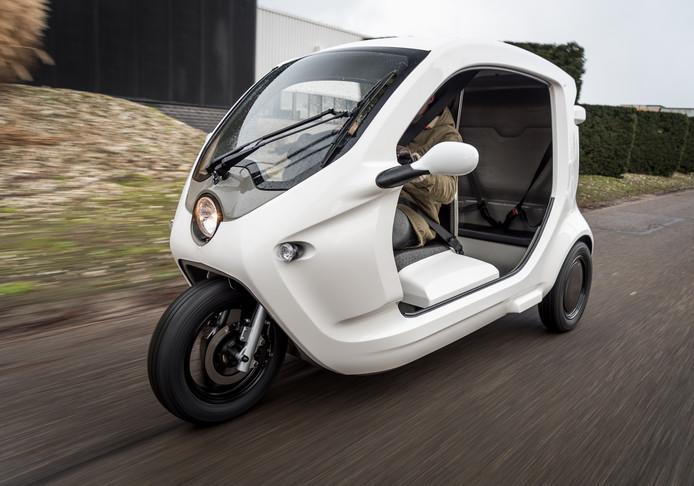 De Pick-e gaat bij wijze van proef rijden op industrieterrein De Dubbelen in Veghel, om mensen naar hun werk of stage-adres te brengen.