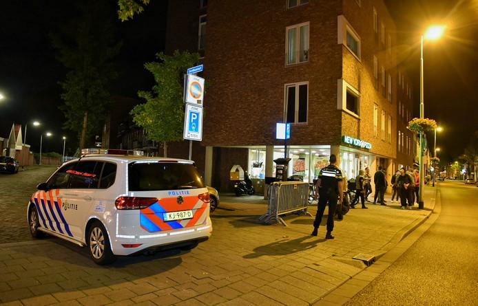 De pizzeria New York Pizza op de Korvelseweg in Tilburg net na de overval.