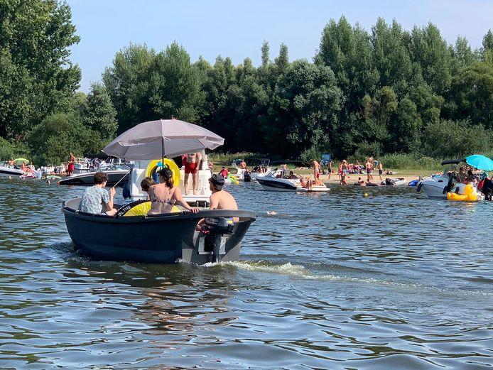 Het is druk op de Aakvlaai in de Biesbosch.