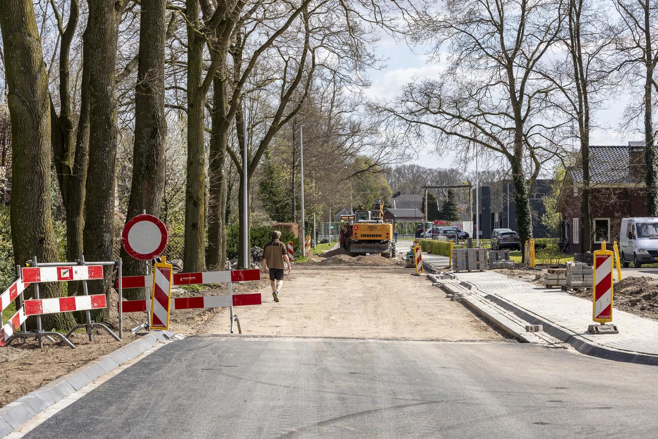 De Burenweg wordt voorzien van duurzaam Grasfalt.