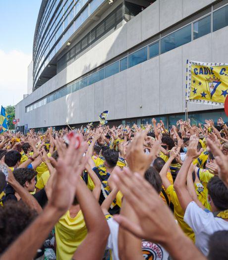 Duizenden fans van Cádiz negeren coronaregels bij mislukte promotie