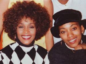 """La maîtresse de Whitney Houston sort du silence: """"Nous étions tout l'une pour l'autre"""""""