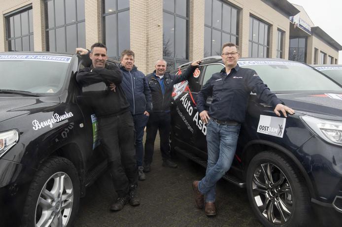 Naar de Noordkap en terug. Van links af: Egon Weernink, Rene Dieperink, Ronnie Markink en Mark Asbroek.