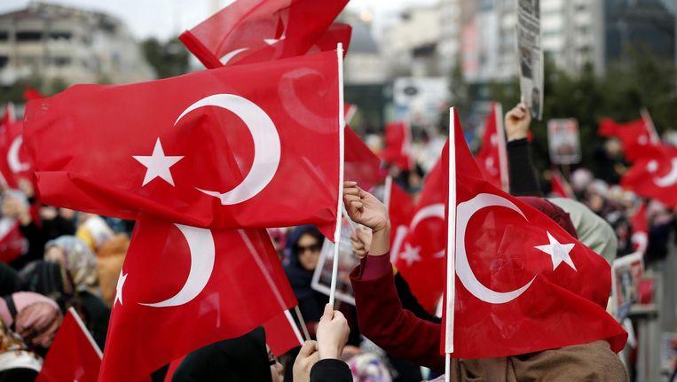 Aanhangers van Fethullah Gülen protesteren in Istanbul tegen corruptie (archiefbeeld). Beeld epa