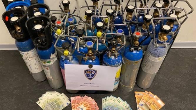 Politie treft bij huiszoeking 27 grote flessen met lachgas aan