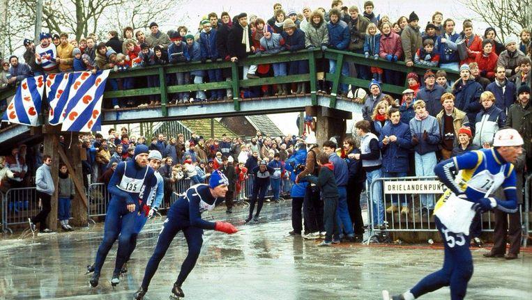 Beeld van de Elfstedentocht van 1985. ©ANP Beeld