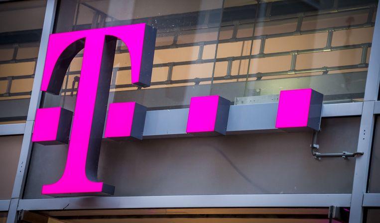 38f1f7730f4fb0 Tele2 en T-Mobile Nederland gaan in Nederland onder een dak verder, om zo  beter in staat te zijn de concurrentie aan te gaan met grote concurrenten  KPN en ...