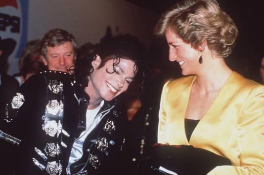 Michael Jackson en prinses Diana tijdens hun ontmoeting in Wembley Stadium