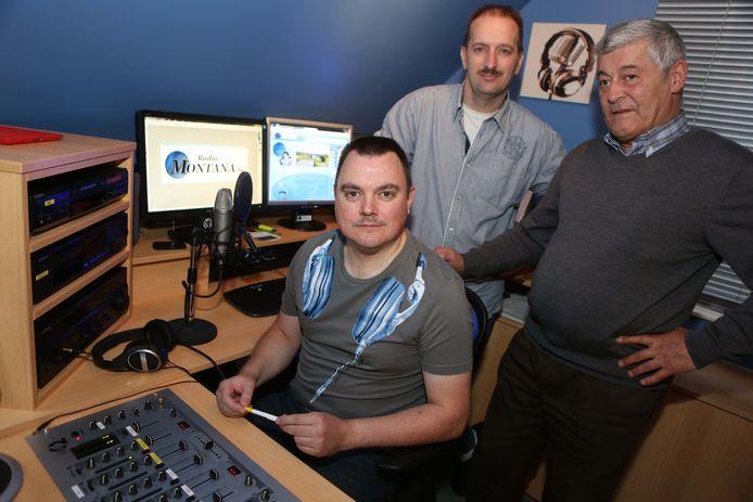 Jacky Delcour (rechts) met Danny De Vos en Francois Temmerman in de studio van Radio Montana in 2013.