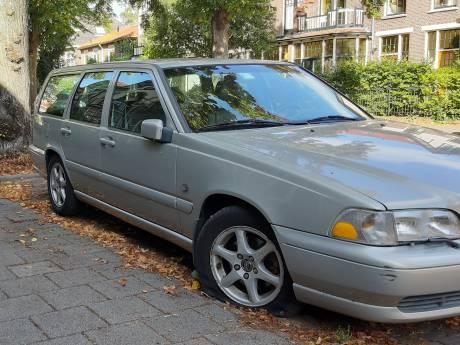 Banden lekgeprikt van auto's Zwolseweg in Deventer
