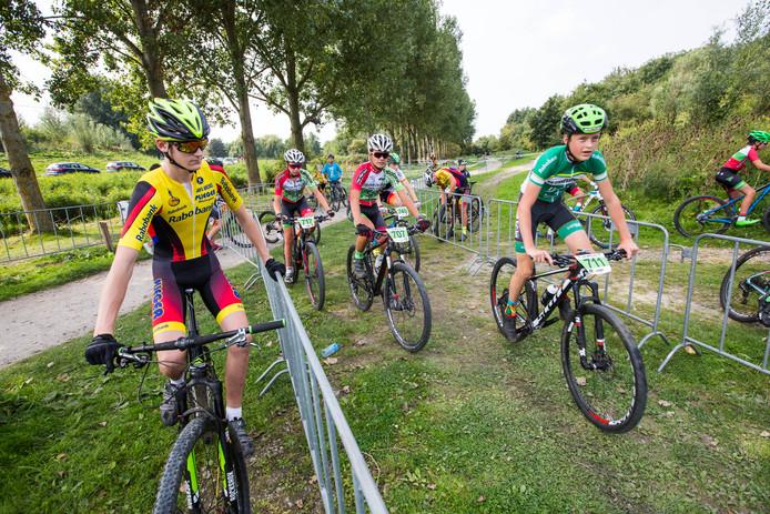 Archiefbeeld ter illustratie: Mountainbike wedstrijd Buytenpark - Benelux Cup Zoetermeer