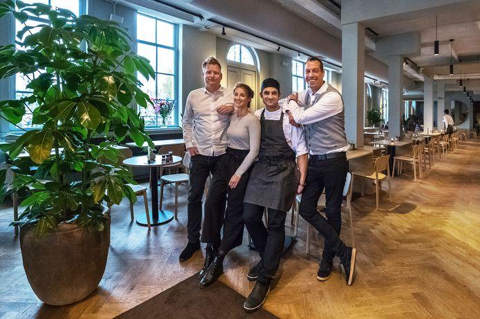 Mede-eigenaar Maurits Tofohr, communicatiemanager Liselot van de Leemkolk, chef-kok Jade Bruce en bedrijfsleider Tim van Veen.