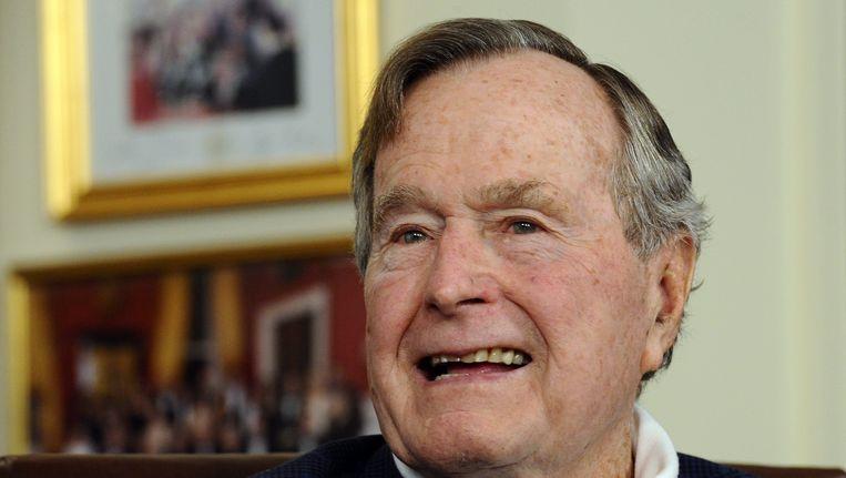 Bush Senior stemt naar verluidt op Hillary Beeld epa