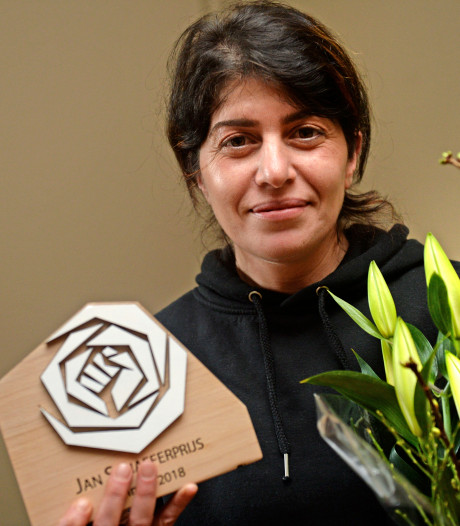 Gulcan Ramaj-Sahin winnares Jan Schaeferprijs in Enschede