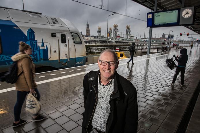 Teun van Dijk op het Station Kampen .