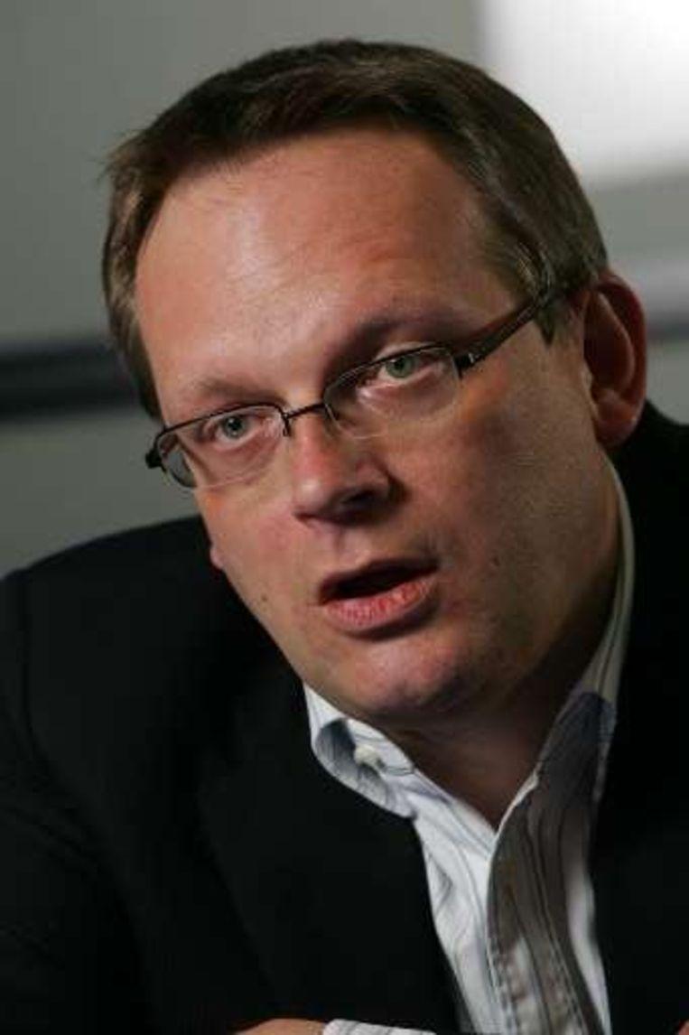 Noël Slangen staat aan het hoofd van het Open Vld-managementteam en wordt nu ook in titel Algemeen Directeur van Open Vld, een functie die hij al meer dan een jaar uitoefent.