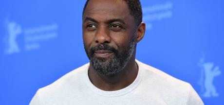 Idris Elba maakt het goed na coronadiagnose: 'Dacht dat ik het slecht zou krijgen'