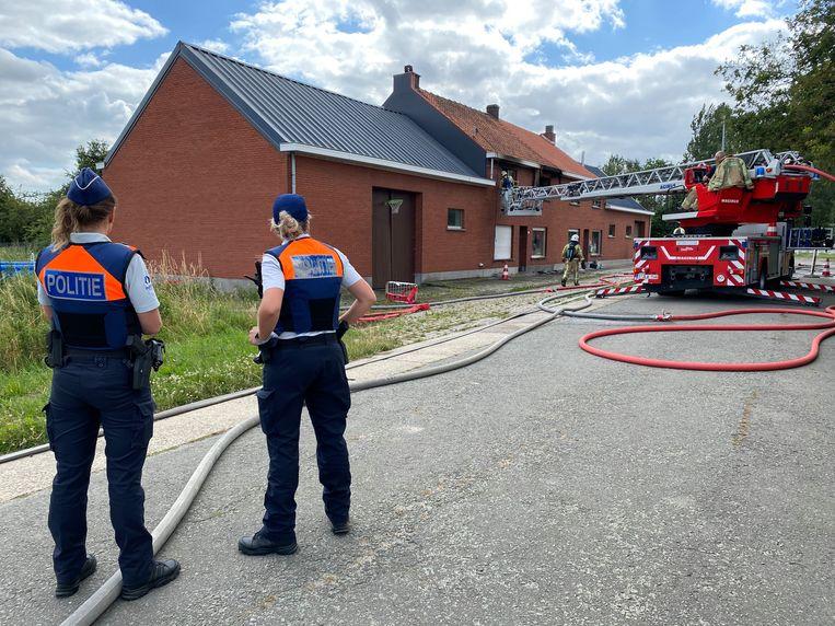 REET (RUMST) - De brandweer kreeg het vuur snel onder controle maar de brand richtte zware schade aan in de woning.