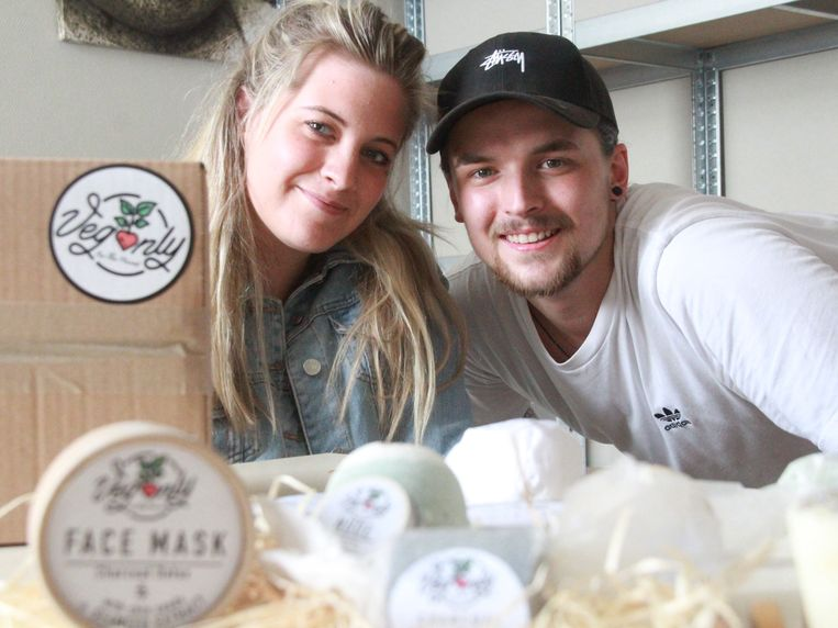 Jordy De Frène en Nona Van Lancker starten met hun webwinkel Veganly