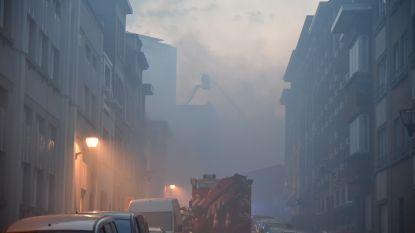 Zware brand in Koekelbergse loods mogelijks toch aangestoken