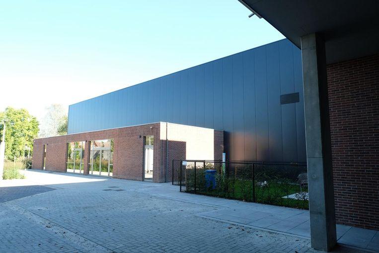 Het nieuw aangebouwde zaaltje werd 'De Polygoon' gedoopt.