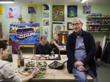 Kunstenaar Frans (71) ging voor gebroken schouder naar ziekenhuis, daar kreeg hij een hartstilstand