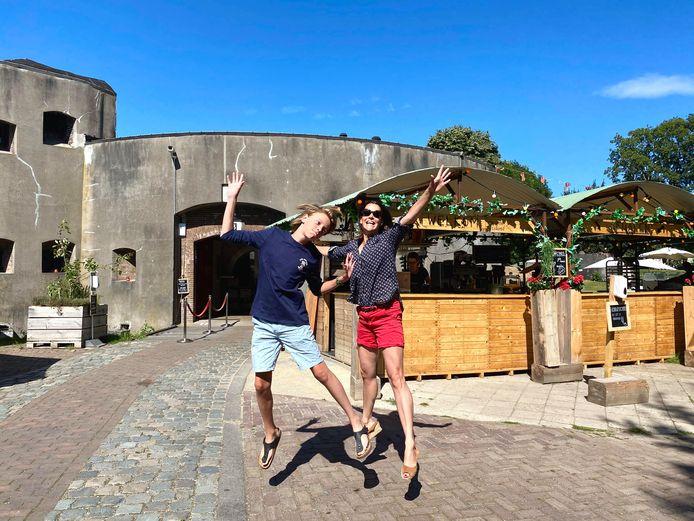 Nicla (43) en Teun (12) de Keijzer uit Hilversum.