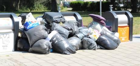 Steeds meer ergernis over dump afval bij milieu-eilanden Hof van Twente: 'Napolitaanse toestanden'