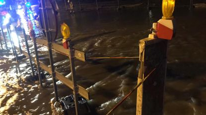 Waterlek in Mechelen zet straten blank en doet kelders onderlopen