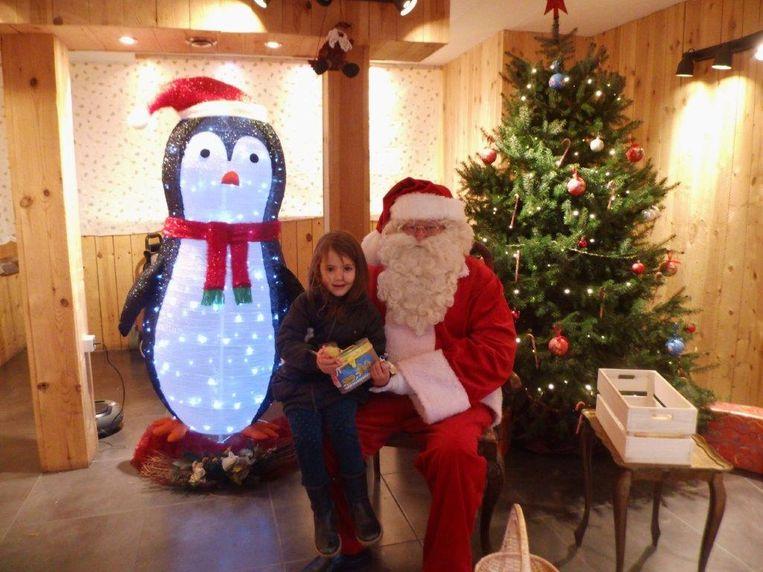 Heel wat kinderen brachten een bezoek aan het Huisje van de Kerstman in de Lavendelstraat in Ninove.