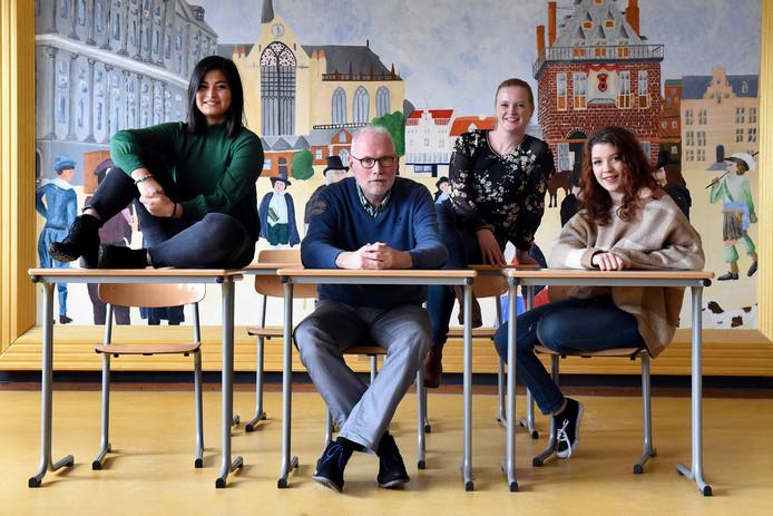 Van links naar rechts Dayweemon Ramarn, Jan van Es, Claudia van Putten en Rozamaryn Orsel..