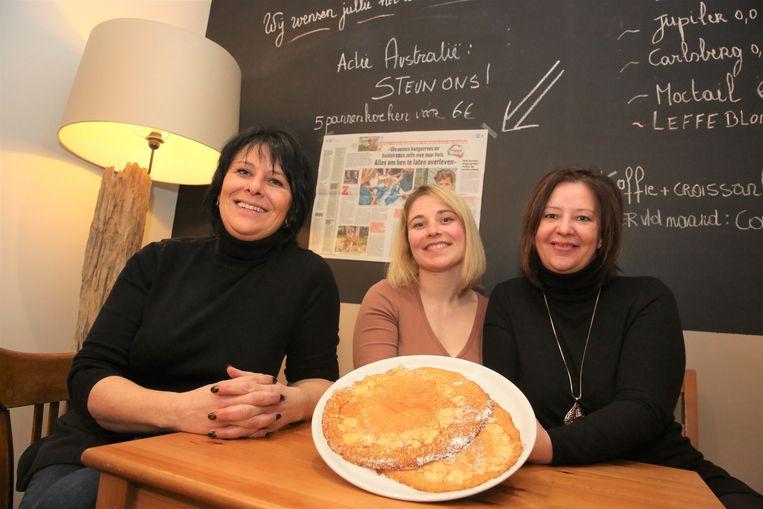 Carine Goubert, Lisa Leuckx en Wendy Goubert starten een grote pannenkoekenverkoop voor Australië.