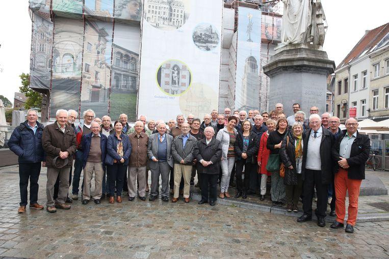 De Collégiens, allen oudgedienden van het Onze-Lieve-Vrouwecollege in Halle, kwamen opnieuw bij elkaar voor een gezellige reünie.