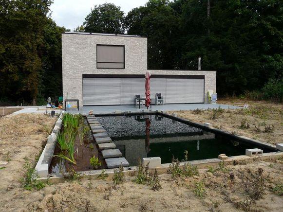 Het water van de zwemvijver wordt verwarmd via de zonneboiler.