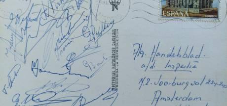 'Verrek, een krabbel van Cruijff!' Bosschenaar Frank de Wijs vond in een oud boek een bijzondere ansichtkaart