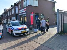 Twee jongens overvallen slijterij in Eindhoven en bedreigen personeelslid en klant met steekwapen