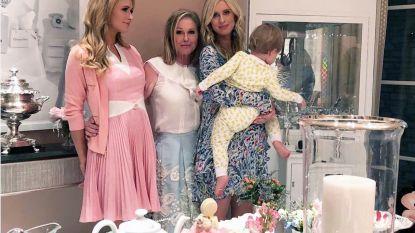 Veel taart en macarons: Paris Hilton geeft babyshower voor haar zus Nicky