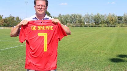 Shirt Kevin De Bruyne bezorgt SK Lochristi 2.022 euro voor kunstgrasproject, nu bieden voor Iljo Keisse