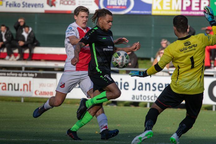 De selecties van Flevo Boys en Berkum krijgen in het aanstaande seizoen een ander gezicht. Johnson Bacuna blijft in Zwolle, doelman Rodney Rosink verruilt Emmeloord voor Kampen, lees KHC.