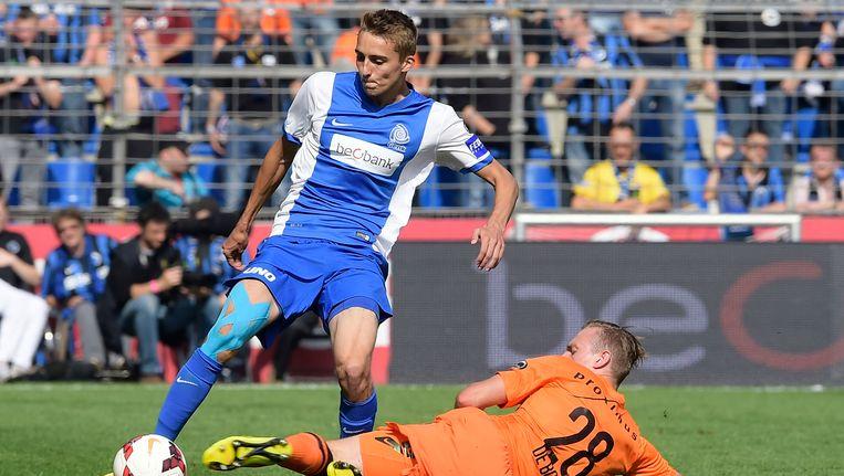 Timothy Castagne tijdens de thuiswedstrijd tegen Club Brugge, waarin hij zijn debuut maakte voor RC Genk.