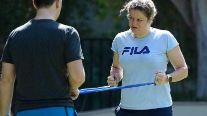 """Onze tennisexpert in Dubai: """"Clijsters kan heel op haar gemak haar ding doen. Laat dat net de kracht zijn van dit tornooi"""""""