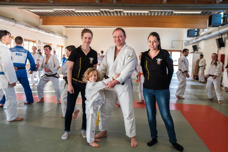 Hanne Van Bossele, Stan Sleeckx, Koen Sleeckx en Tinne De Raes op de judodag in Mortsel.