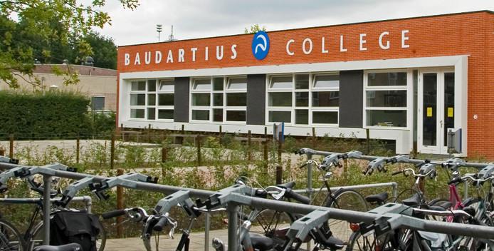 Het schoolgebouw van Baudartius