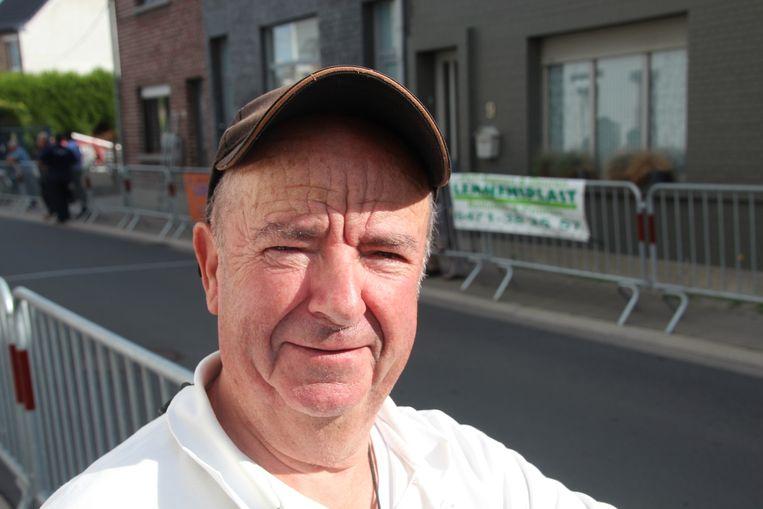 In de 52 jaar dat wedstrijdverslaggever Franky Ringoot aan de slag is, maakte hij al twee maal eerder een overlijden tijdens een wedstrijd mee.