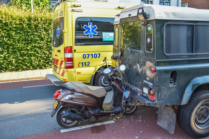 De klemzittende scooter in Oosterbeek.